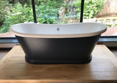 Bath Tub 5 - Youngs Plumbing Services